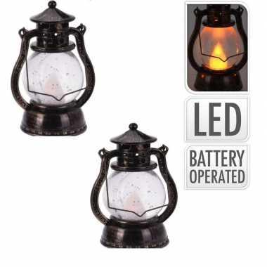 2x bronzen lantaarn decoratie 12 cm vlam led op batterijen