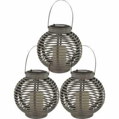 3x buiten/tuin grijze rotan lampionnen/hanglantaarns 20 cm solar tuinverlichting